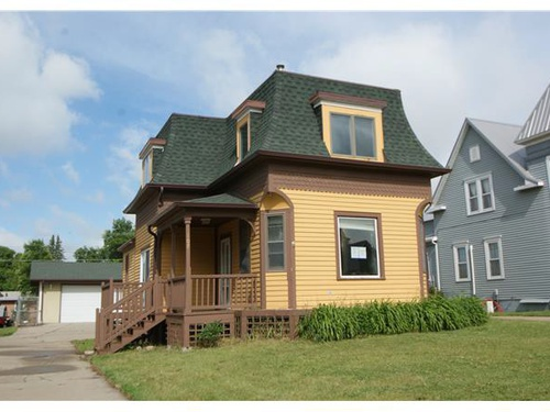 Photograph of 208 N 4th St, New Salem, ND 58563
