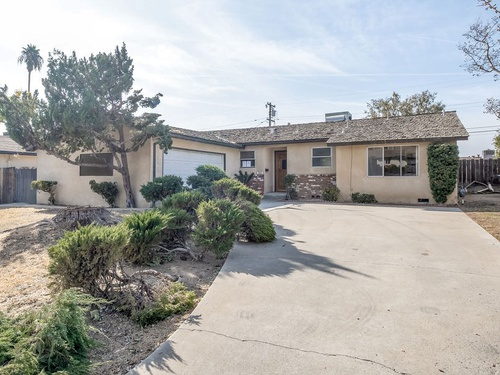 Photograph of 2908 Arnold St, Bakersfield, CA 93305