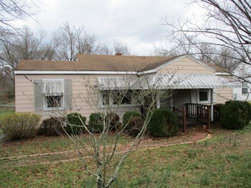 Photograph of 424 Lakeview Ave, Burlington, NC 27215