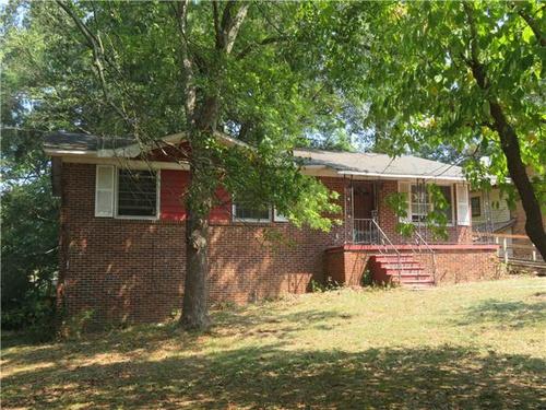 Photograph of 958 Eisenhower Rd SE, Atlanta, GA 30354