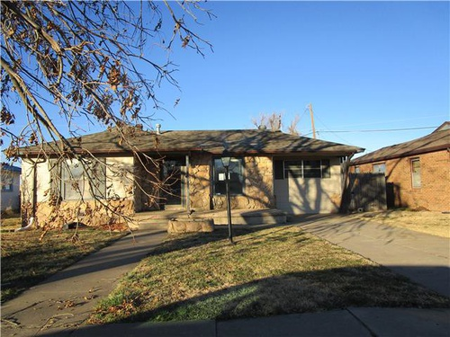 Photograph of 2237 Hamilton St, Pampa, TX 79065