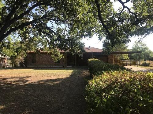 Photograph of 2279 E Renfro St, Burleson, TX 76028