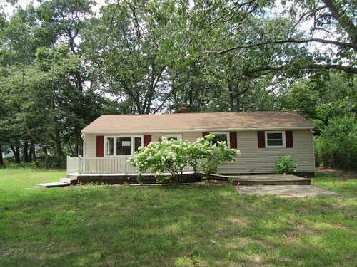 Photograph of 303 Sherwood Dr, Williamstown, NJ 08094
