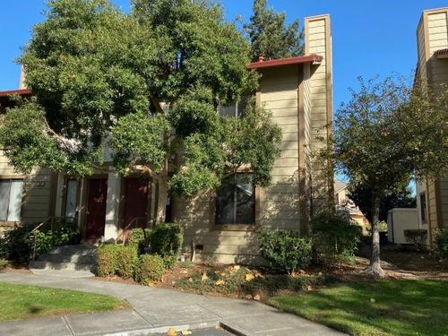 Photograph of 386 Park Place Dr, Petaluma, CA 94954