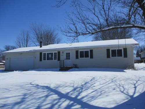 Photograph of 1909 Greenwood Dr, Owatonna, MN 55060