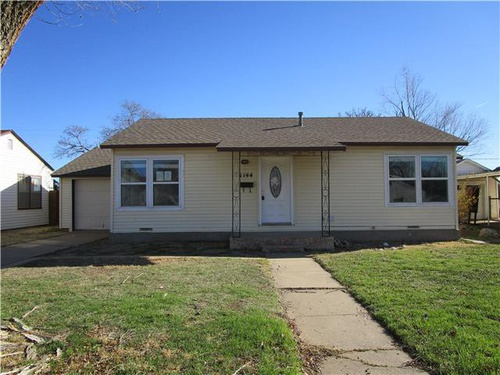 Photograph of 1144 N Starkweather St, Pampa, TX 79065