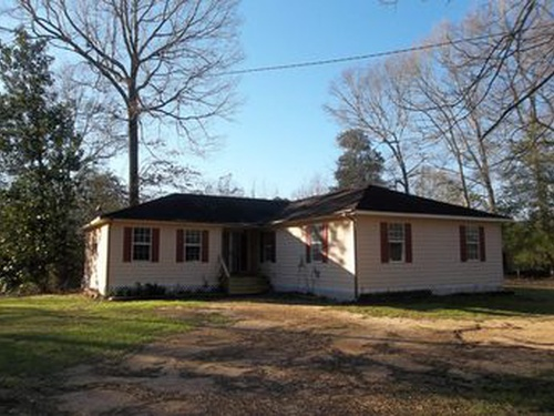 Photograph of 1329 1/2 N Main St, Columbia, MS 39429