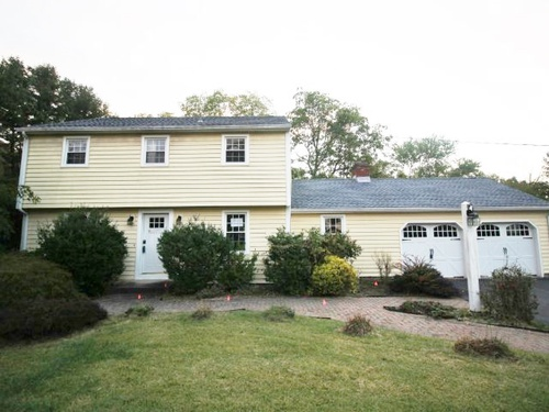 Photograph of 376 Sir Walter Dr, Cheshire, CT 06410