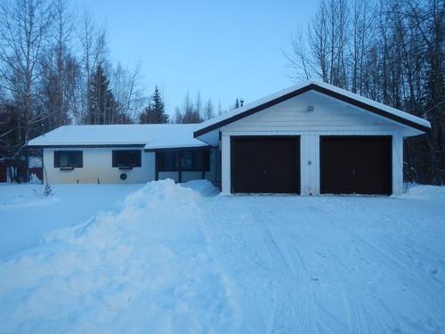 Photograph of 1118 Glenn St, North Pole, AK 99705