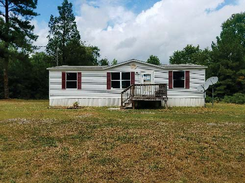 Photograph of 489 Curley Ln, Bumpass, VA 23024