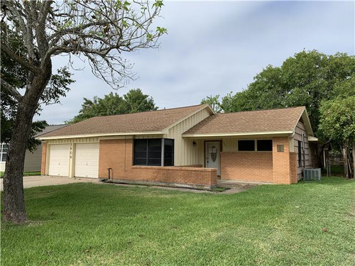 Photograph of 1606 W 10th St, Freeport, TX 77541