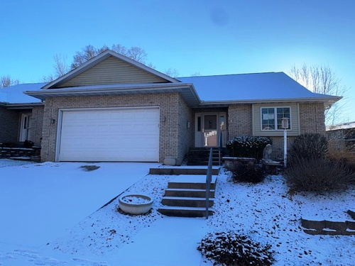 Photograph of 639 Stuart Ct, Iowa City, IA 52245