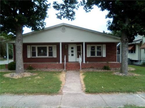 Photograph of 807 Halloran Ave, Wood River, IL 62095