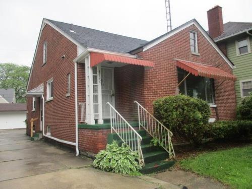 Photograph of 2122 Wyndhurst Rd, Toledo, OH 43607