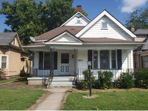 Photograph of 2035 N 10th St, Terre Haute, IN 47804