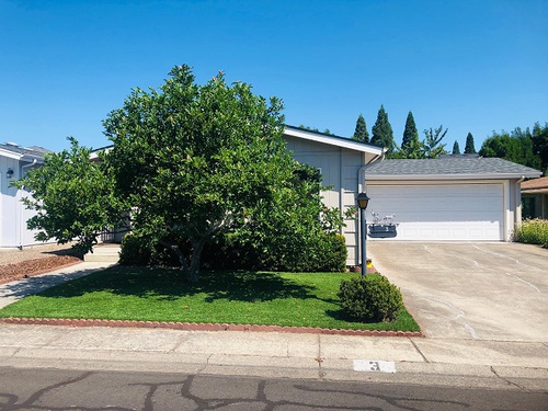 Photograph of 555 Freeman Rd #3, Central Point, OR 97502