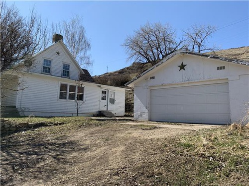 Photograph of 41 Gulch Ln, Sand Coulee, MT 59472