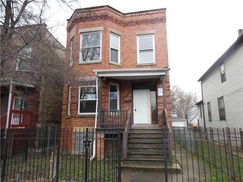 Photograph of 5027 W Huron St, Chicago, IL 60644