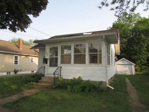 Photograph of 523 Saint Clair Ave, Jackson, MI 49202