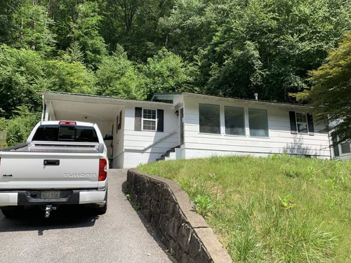 Photograph of 838 S Park Rd, Charleston, WV 25304