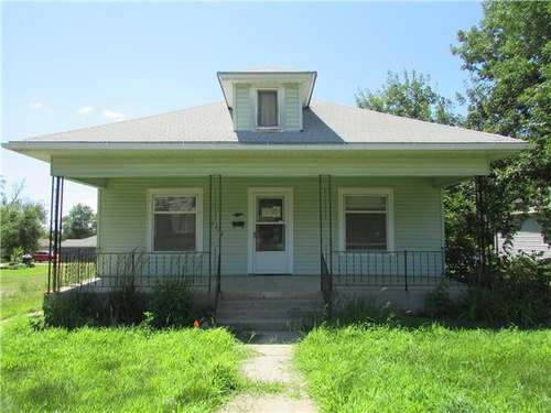 Photograph of 1209 Fulton St, Falls City, NE 68355