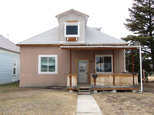 Photograph of 1006 5th St, Deer Lodge, MT 59722