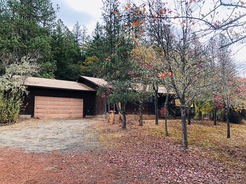 Photograph of 351 Mona Way, Cave Junction, OR 97523