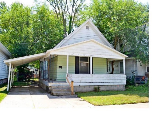 Photograph of 932 Arianna St NW, Grand Rapids, MI 49504