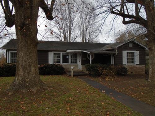 Photograph of 516 Westview St SW, Lenoir, NC 28645