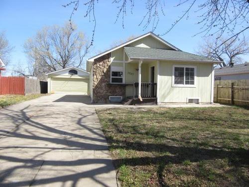 Photograph of 1707 S Edwards Ct, Wichita, KS 67213