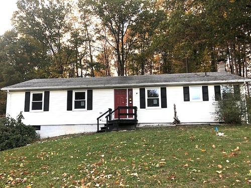 Photograph of 852 Brownsville Rd, Victor, NY 14564