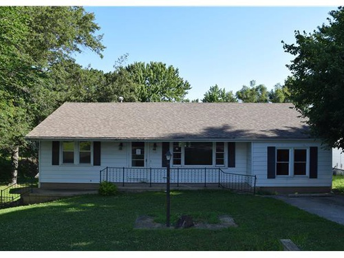 Photograph of 1331 W Saint Clair St, Vandalia, IL 62471