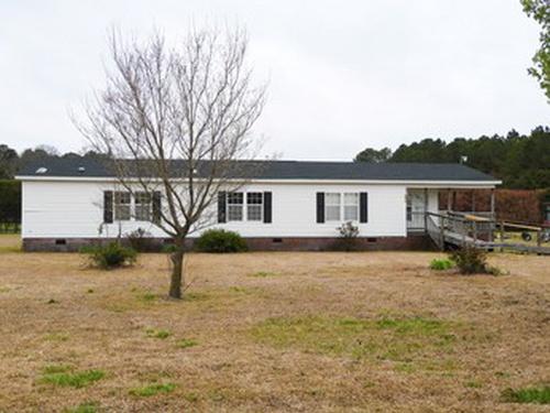 Photograph of 4914 J C Village Rd, La Grange, NC 28551