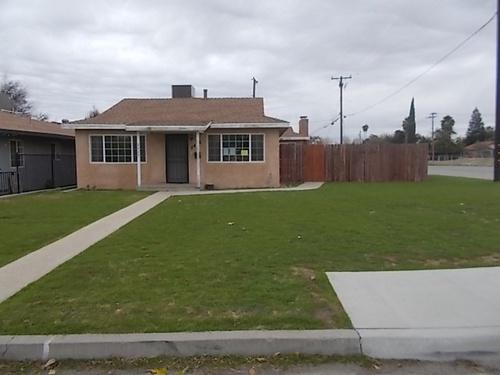 Photograph of 2425 Barnett Street, Bakersfield, CA 93308