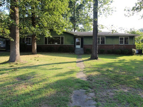 Photograph of 321 Howell Circle, Gadsden, AL 35904