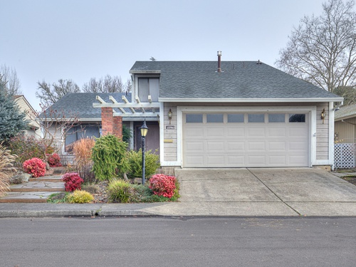 Photograph of 15760 SW Highland Ct, Tigard, OR 97224