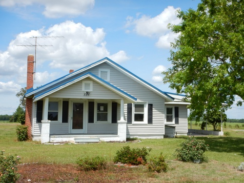 Photograph of 335 Willie Best Rd, Mount Olive, NC 28365