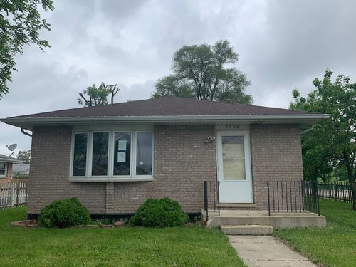 Photograph of 7000 W 72nd Pl, Chicago, IL 60638