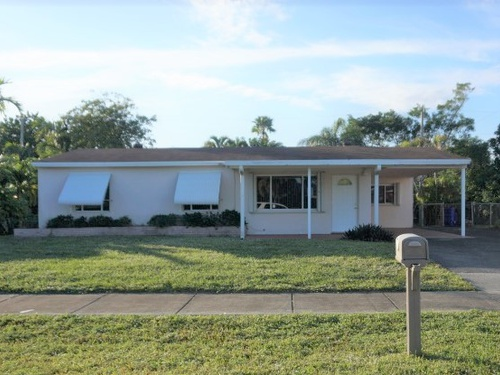 Photograph of 2221 SW 46th Terr., Fort Lauderdale, FL 33317