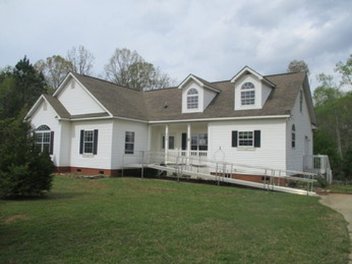 Photograph of 308 Ferncliff Dr, Greenwood, SC 29649