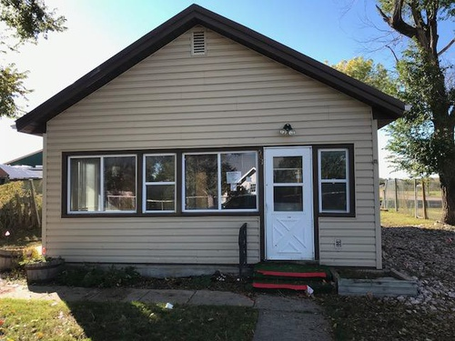 Photograph of 501 S B Ave, New Underwood, SD 57761