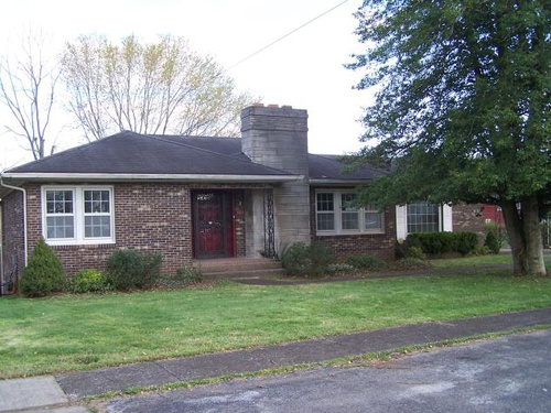 Photograph of 408 N 3rd St, Cave City, KY 42127