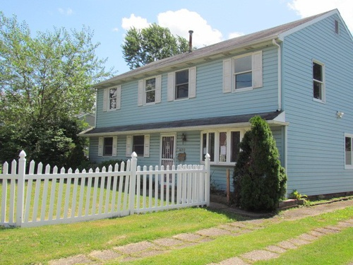 Photograph of 420 Colonial Road, Bellmawr, NJ 08031