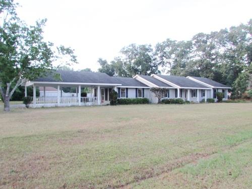 Photograph of 1302 Bear Creek Rd, Adel, GA 31620