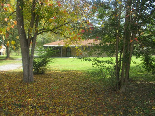Photograph of 257 Meadow Lane Dr, Elmore, AL 36025