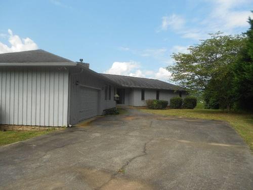 Photograph of 196 Skeenah Gap Rd, Blairsville, GA 30512