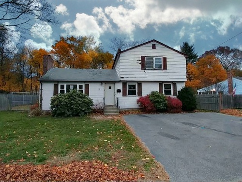 Photograph of 54 Lincoln Road, Rockland, MA 02370