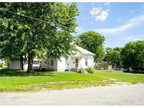 Photograph of 616 N Ottawa St, Minneapolis, KS 67467