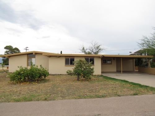 Photograph of 901 W Webb Dr, San Manuel, AZ 85631