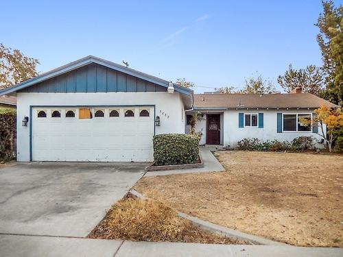 Photograph of 3888 E Pico Ave, Fresno, CA 93726